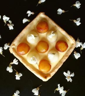 Tartelette à la poire, au mascarpone et au sirop de fleurs d'acacia(végétarien)