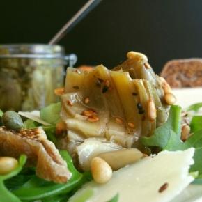 Salade d'artichauts façon antipasti, parmesan, figues séchées, pignons de pin(végétarien)