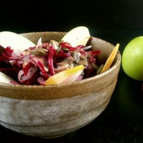 Salade d'automne : betteraves, pommes, échalotes, cranberries(vegan)