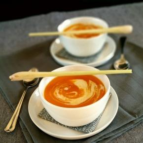 Noël gourmand & vegan : Soupe de citrouille à la Thaï (citronnelle, gingembre etcoco)