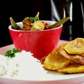 Ragoût de gombos au berbéré et frites de banane plantain (vegan) (Battle Food#41)